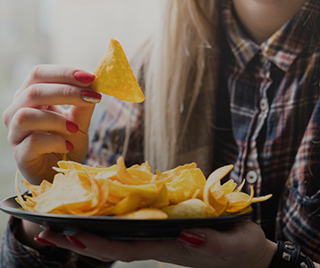 How America Eats: The Snacking Frenzy in 2021 and Beyond